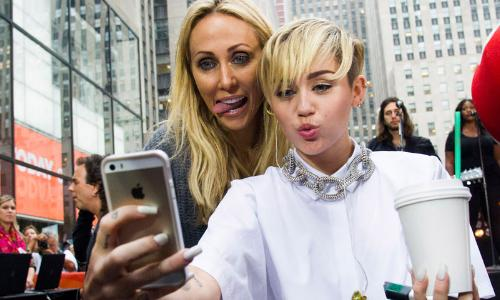Miley Cyrus iPhone